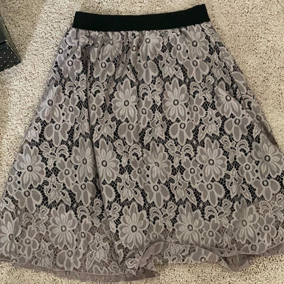Lularoe skirt with lavender floral lace